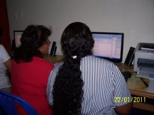 Promotoras training in Excel (to be able to enter census data)